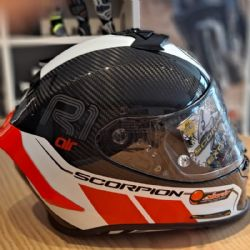 Casco Scorpion Exo-R1 Carbon Air Corpus 2 Negro / Rojo Neon Reacondicionado
